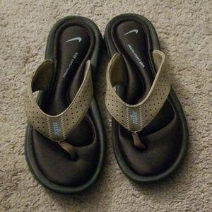 Nike Comfort Sandals size 6